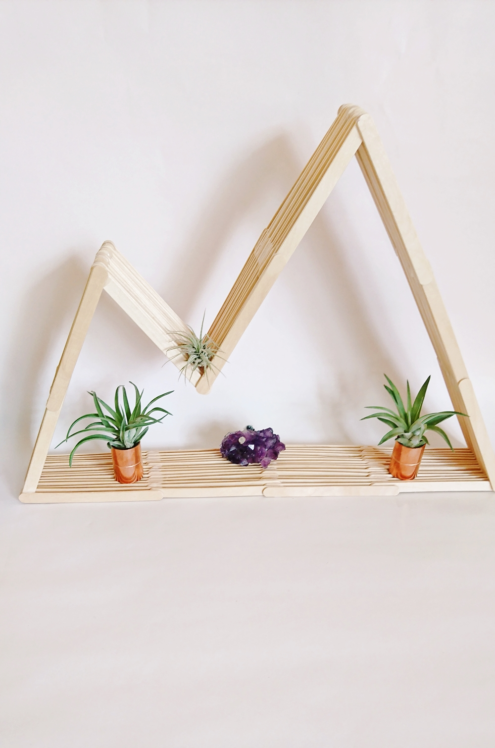 DIY Bergregal aus Holzstäbchen. Regal aus Eisstecker. Mountain shelf popsicle sticks, regal selber bauem berg (15)