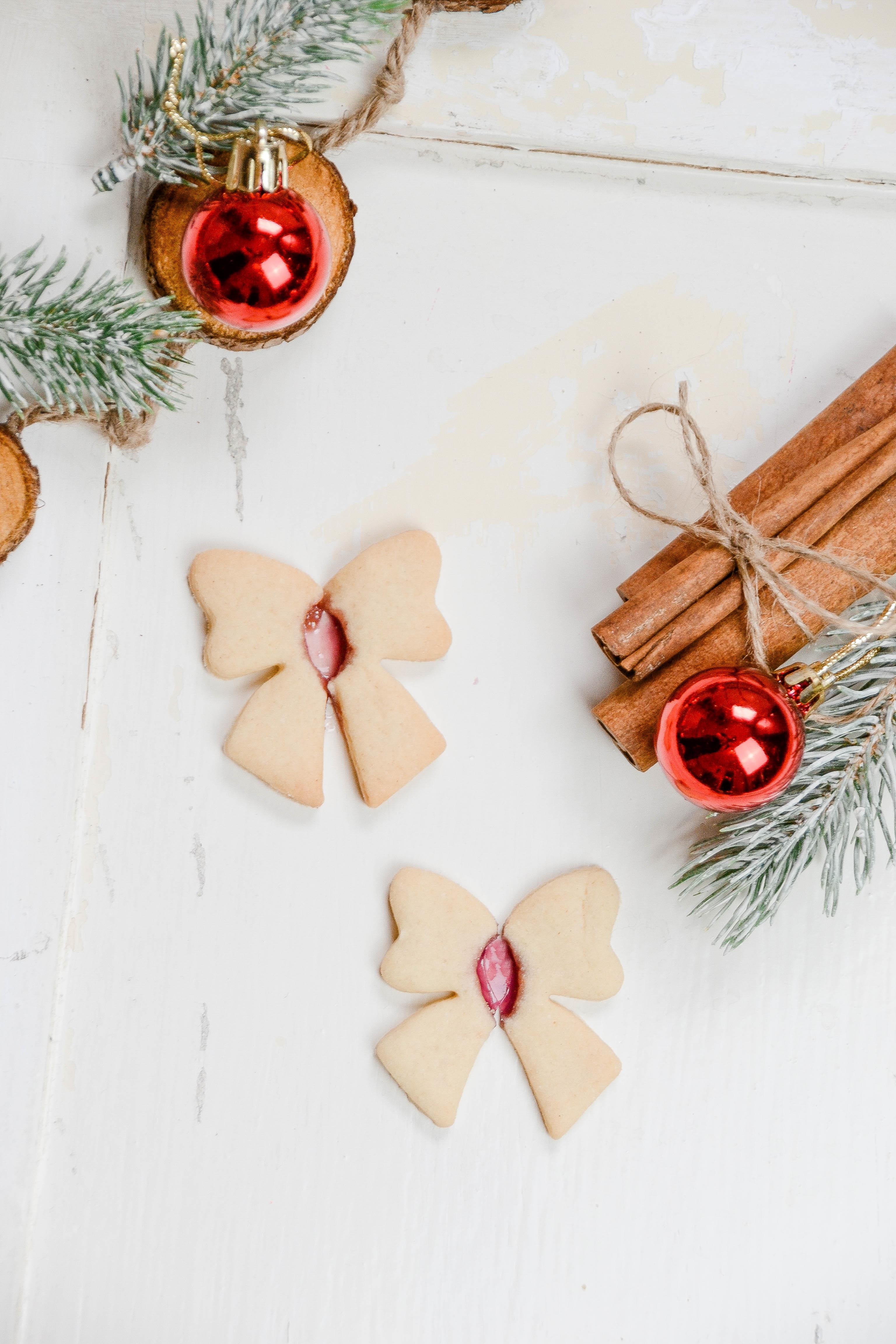 Rezept für Fensterglas-Plätzchen, Rezept für Fensterkekse, Bunte Keks-Fenster, backen in der weihnachtszeit, mondere Plätzchen Rezept, Plätzchen fürs Auge, Instagram worthy cookies, Stained Glass Cookies rezept
