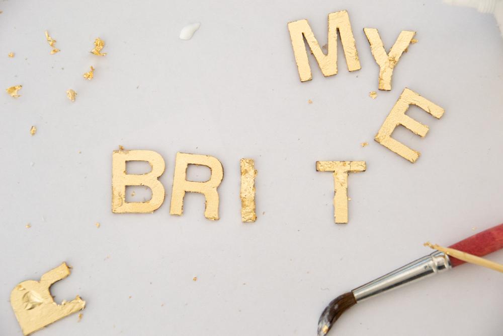 DIY basteln mit Eisstäbchen. Basteln mit Holzstäbchen und Blattgold für Weihnachten. Weihnachtsdeko basteln DIY Weihnachtsdeko Merry & Bright (19).jpg