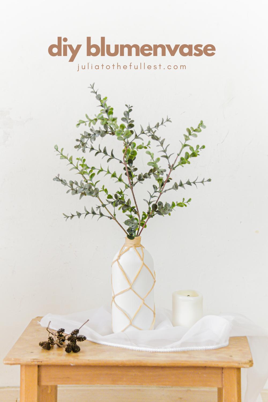 DIY Vase für Blumen aus Bast Upcycling idee Duschgel verpackung