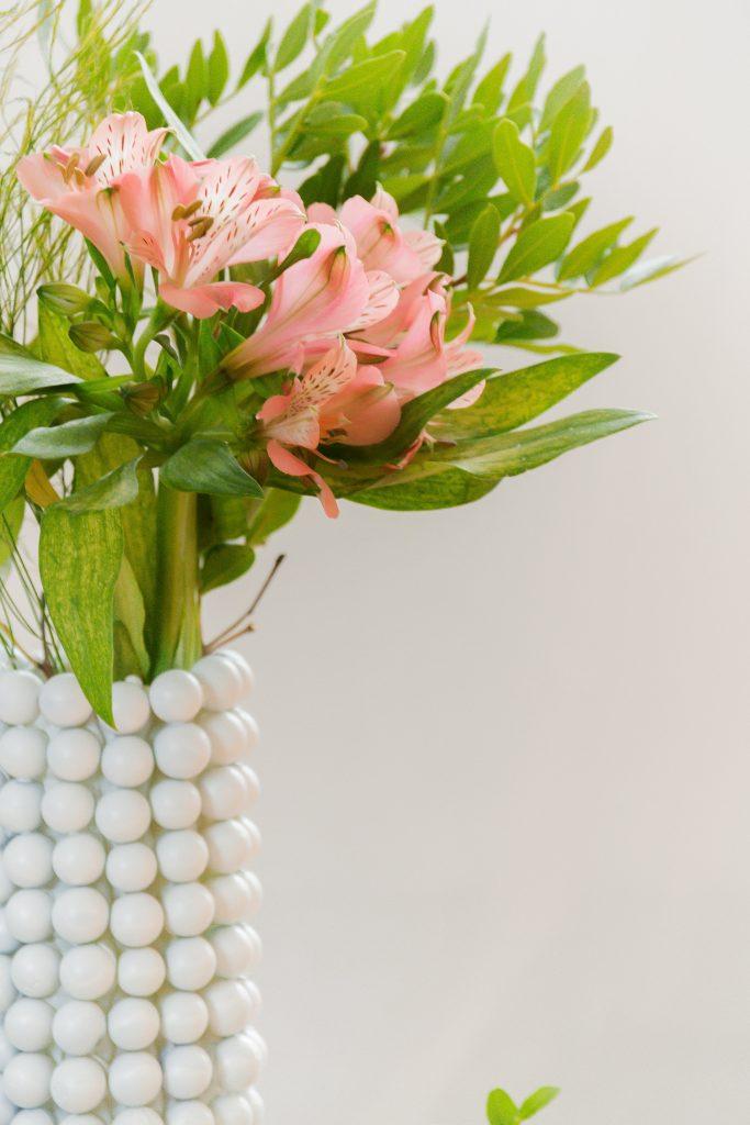 Blumenvase aus Murmeln basteln diy blog
