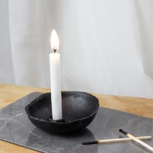 minimalistischer Kerzenständer DIY Blog Kerzenhalter im minimalistischen Stil aus Modelliermasse Fimo basteln mini Stabkerzen,dünne stabkerzen kerzenhalter selber machen