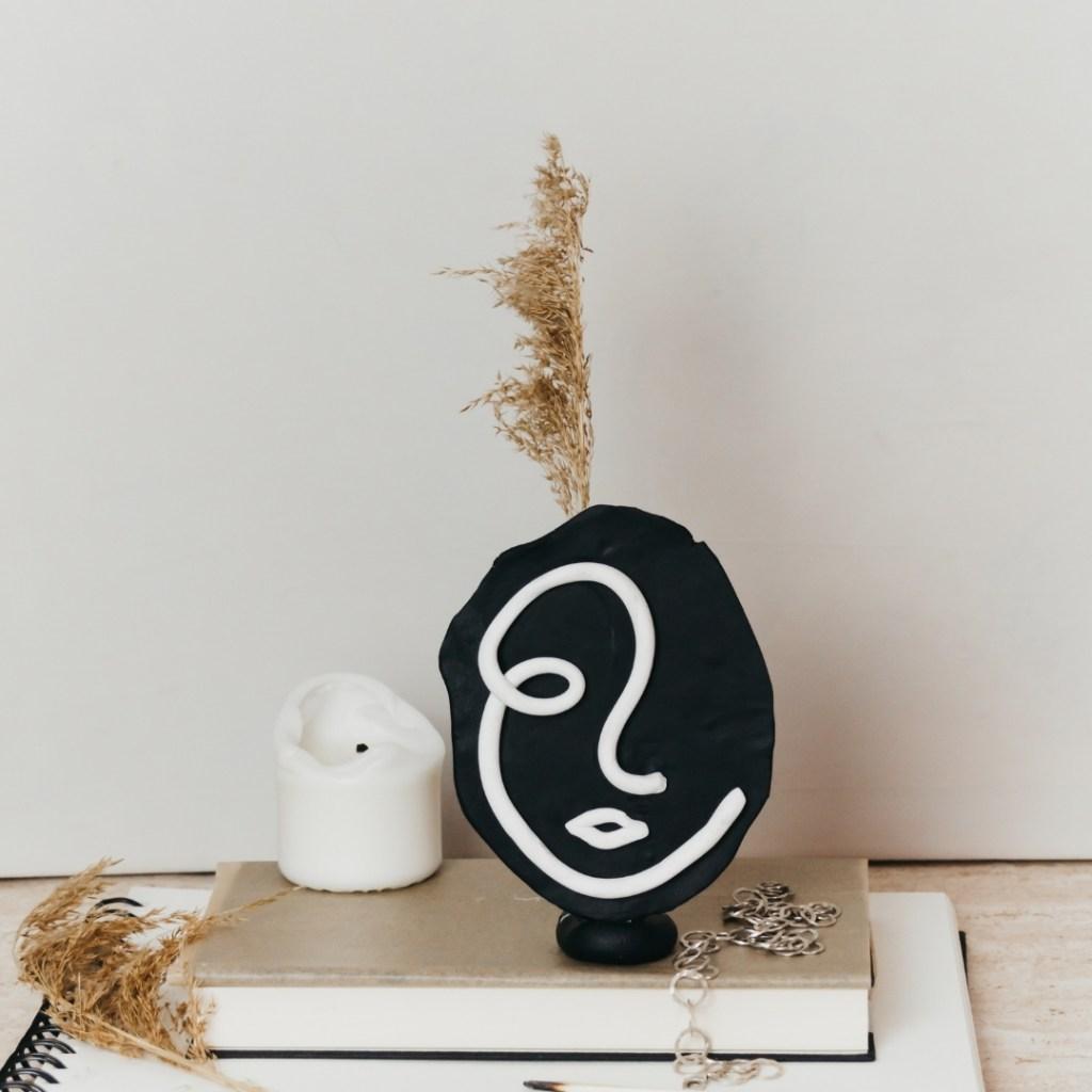 DIY Line Art Vase